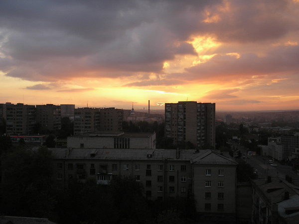 Ночной Луганск.